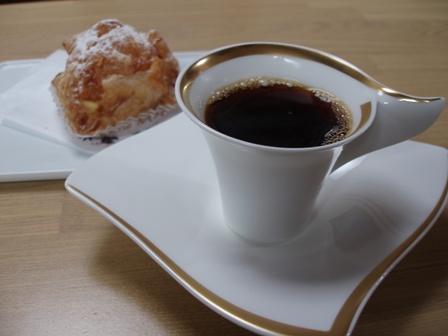 パイカスターとコーヒー.JPG